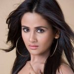Poonam Prasad Sinha original name is Parul Yadav