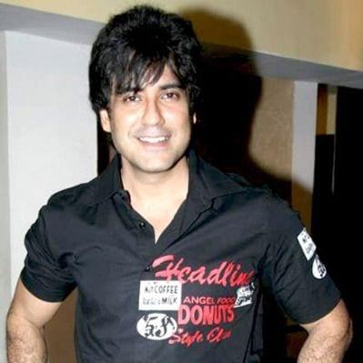 Raghav original name is Karan Oberoi