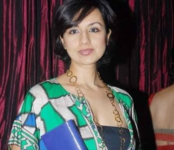 Suhasini original name is Reena Wadhwa