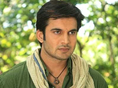 Vishnu Kashyap original name is Ajay Chaudhary