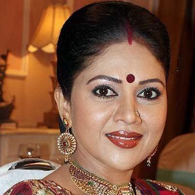 Meenakshi original name is Anita Kulkarni
