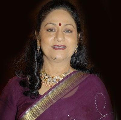 Dadima original name is Aruna Irani
