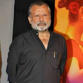 Karamchand original name is Pankaj Kapur