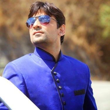 Mithilesh Thakur original name is Darshan Dave