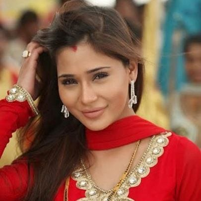 Pavitra original name is Sara Khan