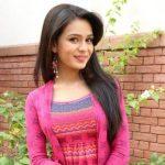 Survi Kartik Barve original name is Sonal Vengurlekar