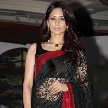 Nandini Thakur aka Aparna Kumar