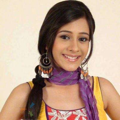 Pari Sinha original name is Hiba Nawab
