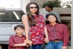 Karishma Kapoor Family Photo