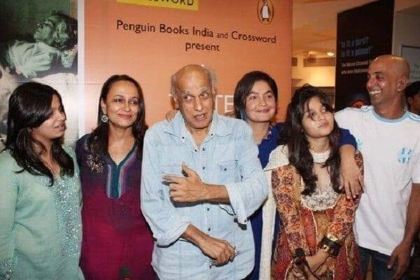 Alia Bhatt Family Photo