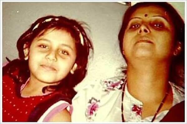 Rani Mukherjee Real Name, Daughter Name, Height, & Husband ...