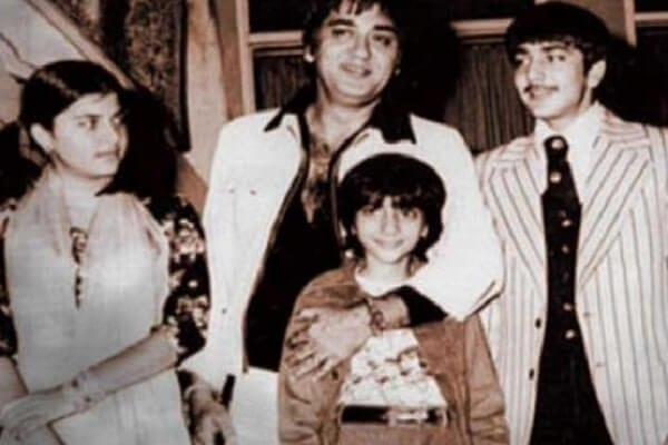 Sanjay Dutt Age, Movie List, Biopic, Wife Name, Photos