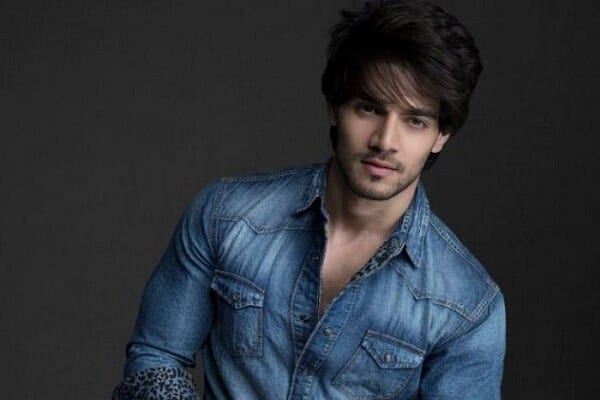 Sooraj Pancholi Age, House Address, Family Photo, Hairstyle, and More