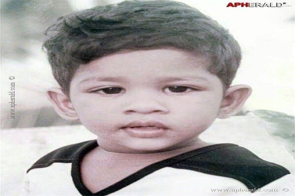 Allu Arjun Height, Family Photos, Father Name, Height, Wife Name