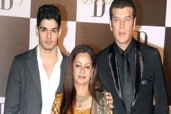 Aditya Pancholi Family Photo