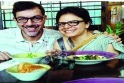 Rajit Kapoor Family Photo