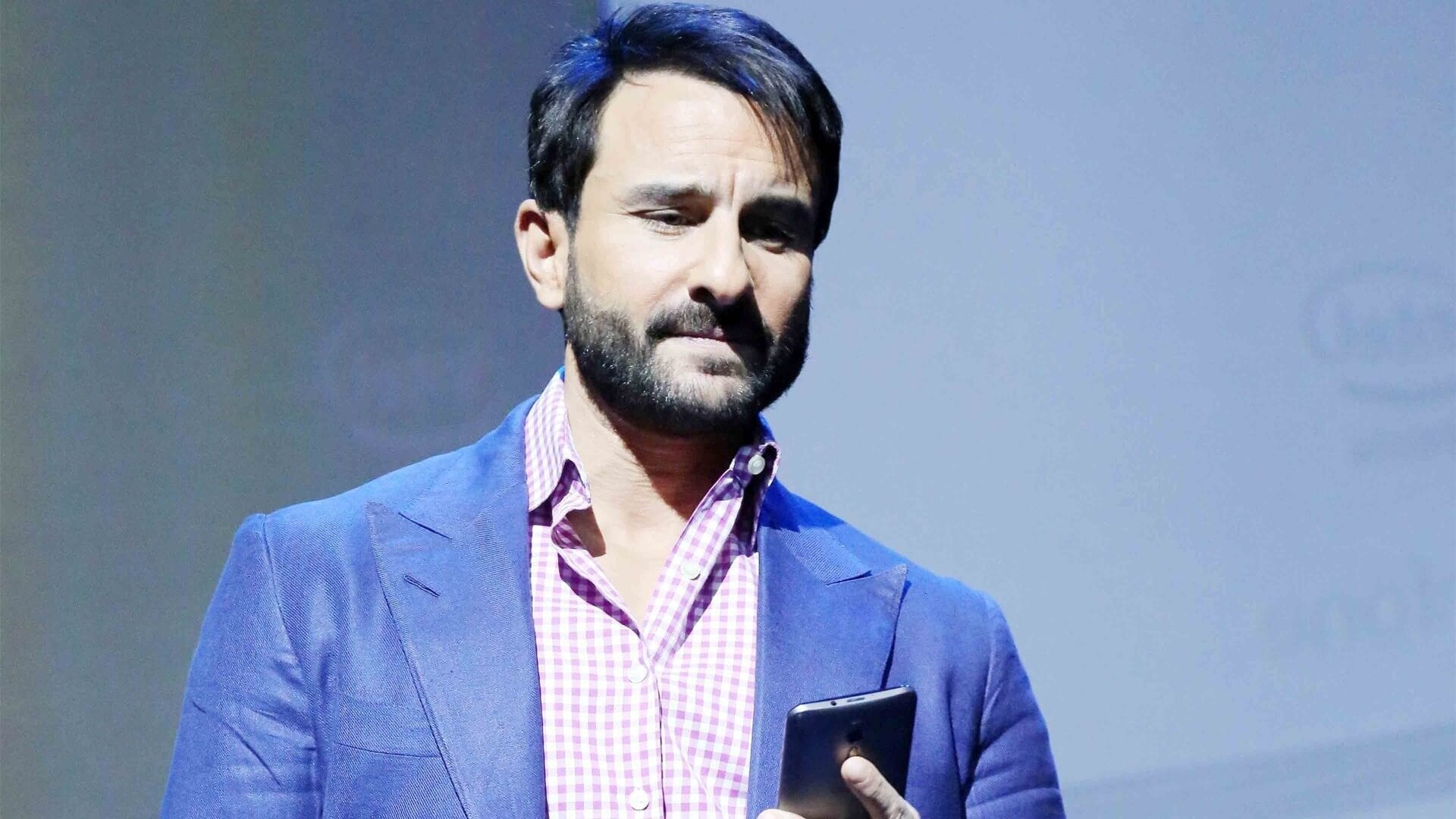 How to Meet Saif Ali Khan Personally