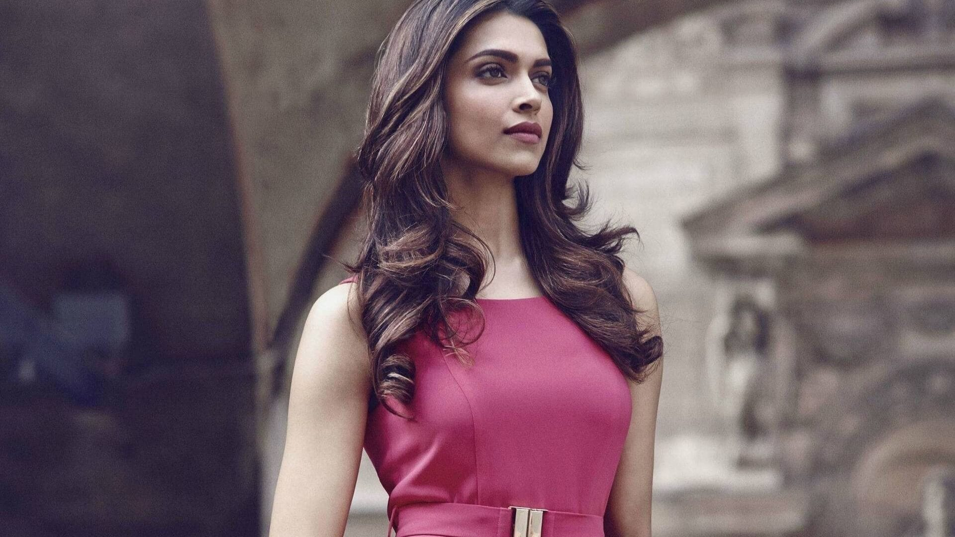 How to Meet Deepika Padukone Personally