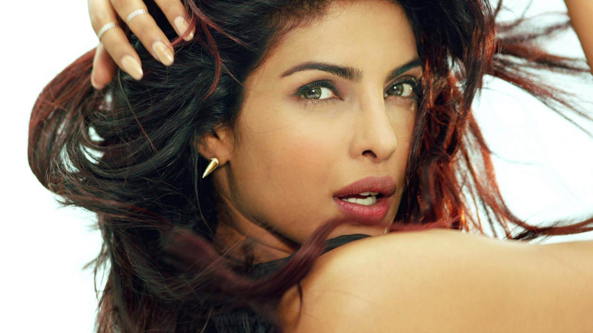 How to Meet Priyanka Chopra In Person and Face to Face