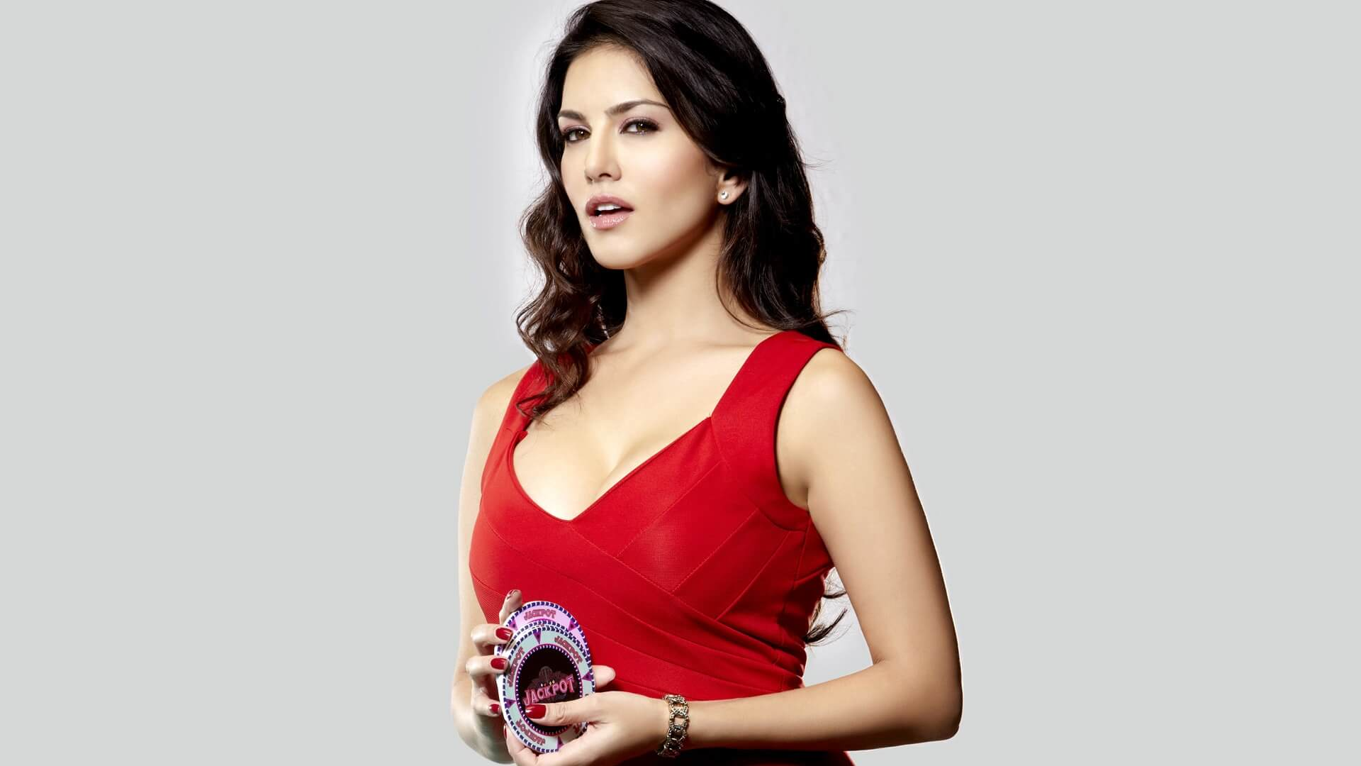 How to Meet Sunny Leone Personally