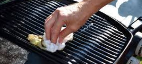 How Do You Clean Your Grill Grates without Chemicals